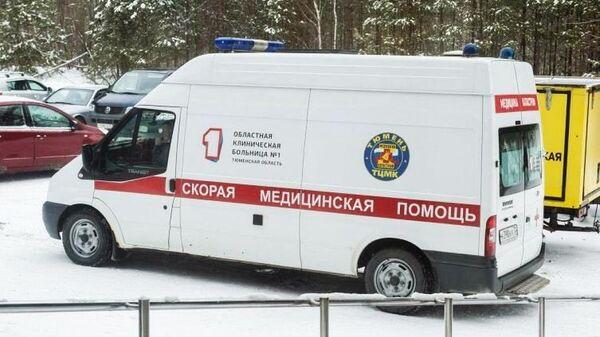 Автомобиль скорой помощи Тюменской областной клинической больницы №1