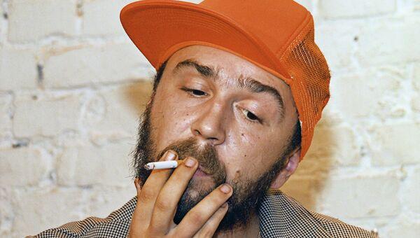 Певец и композитор, лидер популярной питерской группы Ленинград Сергей Шнуров. 2003 год, архивное фото