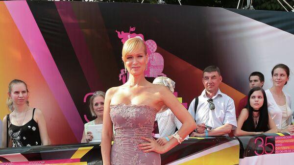 Актриса Олеся Судзиловская на церемонии закрытия 35-го Московского Международного кинофестиваля