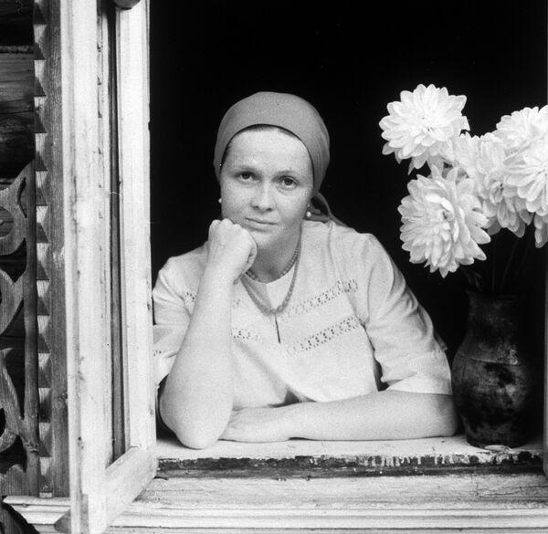 Кадр из фильма Вас ожидает гражданка Никанорова