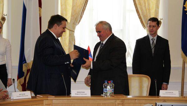 Генеральный директор АСИ Андрей Никитин и губернатор Костромской области Сергей Ситников