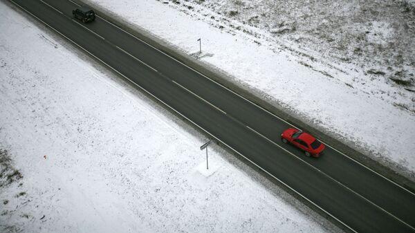 Автомобильная дорога, фото из архива