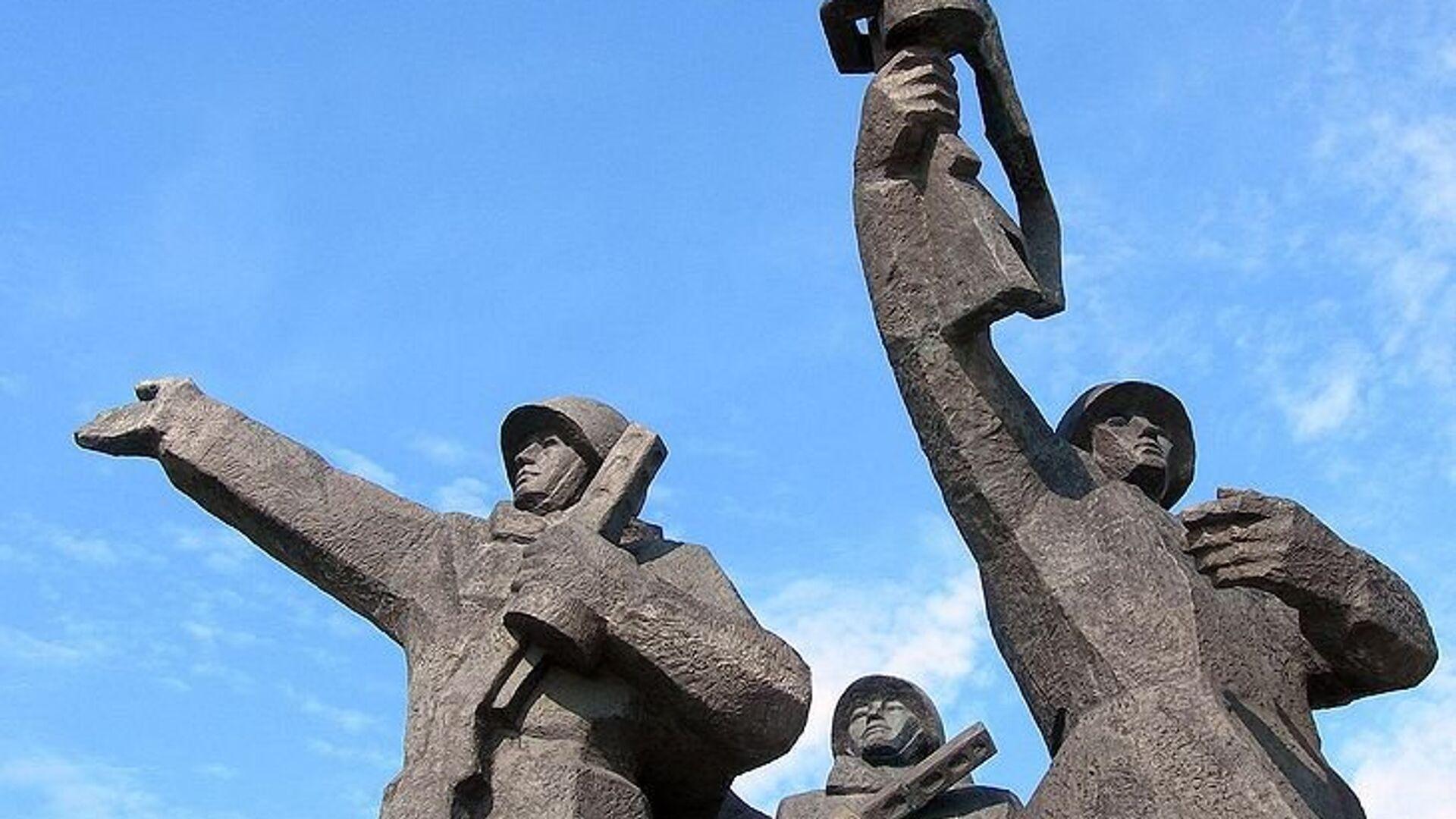Памятник Освободителям Риги - РИА Новости, 1920, 30.04.2021