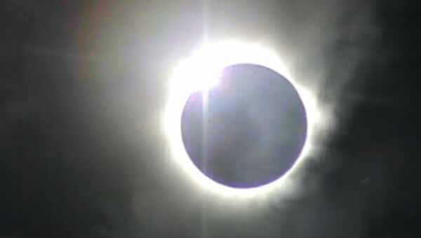 Полное солнечное затмение, снятое сибирскими учеными в Австралии