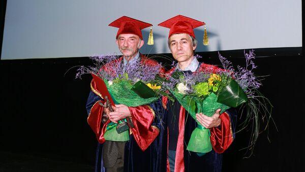 Лауреаты премии Просветитель-2012 Александр Мещеряков и Владимир Сурдин