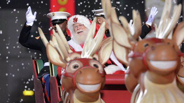 Санта-Клаус на Рождественском параде в Лос-Анджелесе