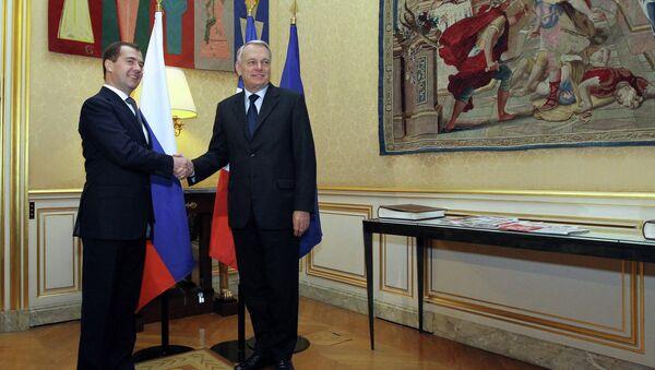 Председатель правительства РФ Дмитрий Медведев во время встречи с премьер-министром Франции Жан-Марком Эйро