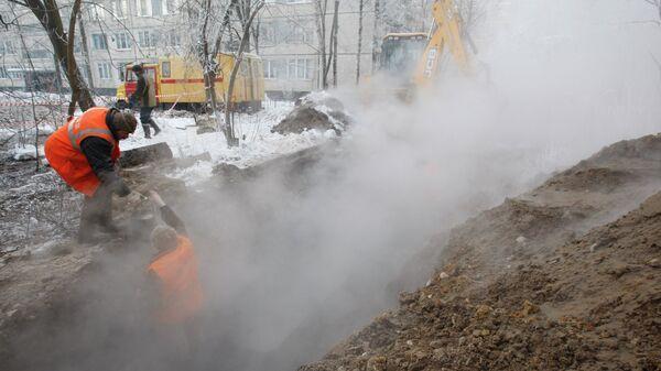 Прорыв трубы горячего водоснабжения в Санкт-Петербурге
