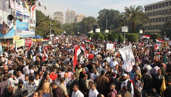 Демонстрация исламских сил в поддержку президента Египта Мурси, Каир. Архив