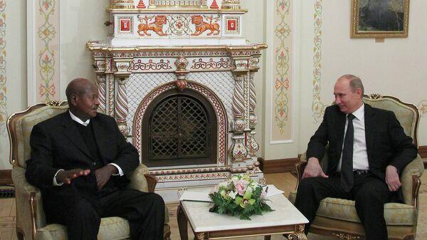 В.Путин на встрече с Й.Мусевени