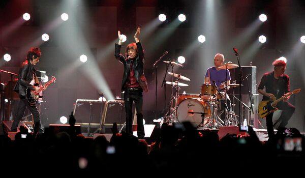 Группа Rolling Stone на благотворительном рок-концерте 12-12-12 в нью-йоркском зале Madison Square Garden