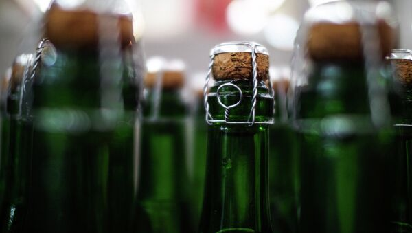 Цех розлива на московском заводе шампанских вин Корнет