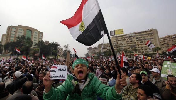 Сторонники президента Египта Мухаммеда Мурси на демонстрации в Каире