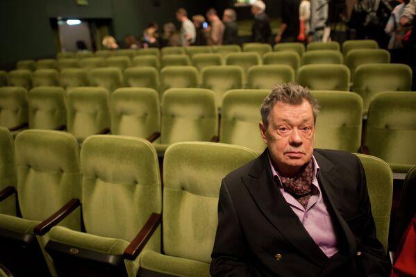 Актер Николай Караченцов во время сбора труппы театра Ленком