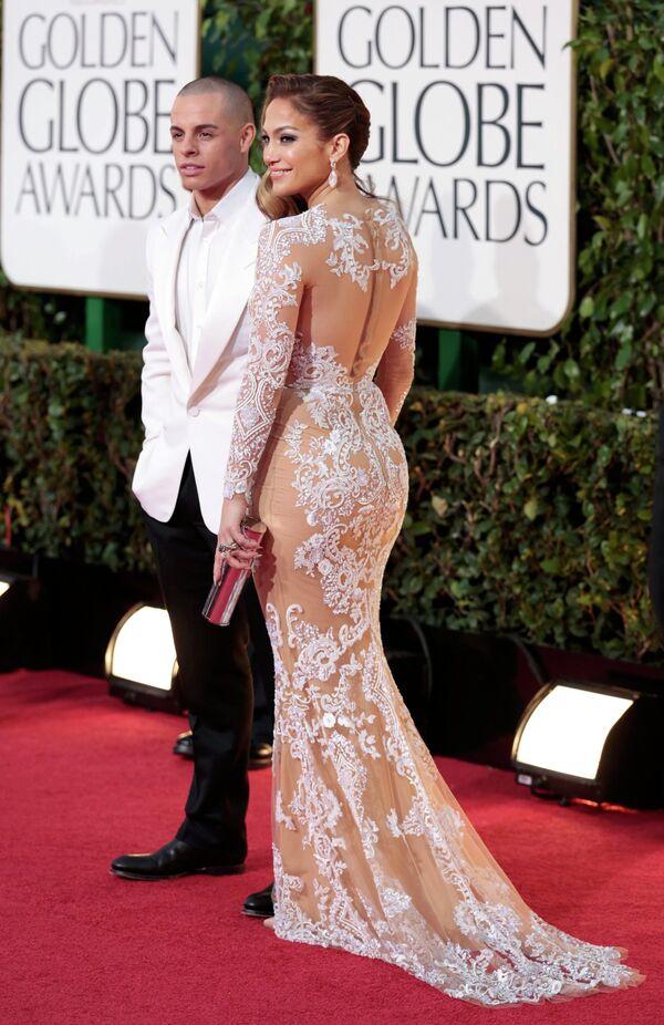 Дженнифер Лопес с бойфрендом Каспером Смартом на церемонии вручения премии «Золотой глобус»