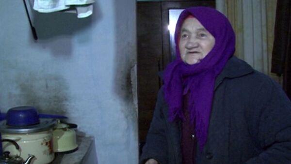Вдова ветерана ВОВ о том, почему спит в валенках и ходит дома в пуховике