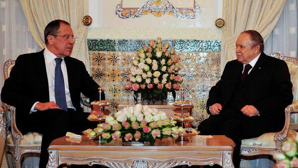 Глава МИД РФ Сергей Лавров и президент Алжира Абдель Азиз Бутефлика