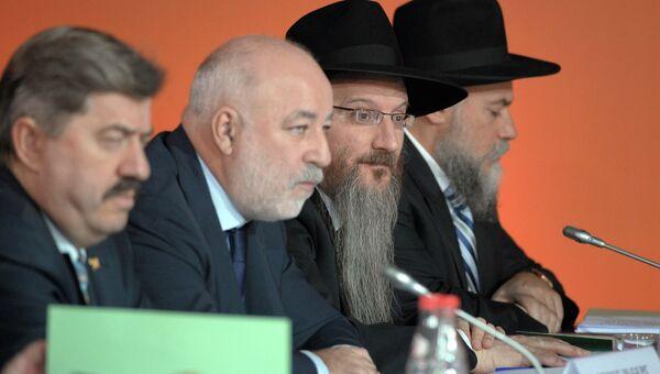 В.Путин посетил Еврейский музей и Центр толерантности