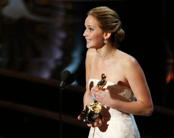 Дженнифер Лоуренс получила Оскар в номинации Лучшая женская роль за роль в фильме Мой парень — псих