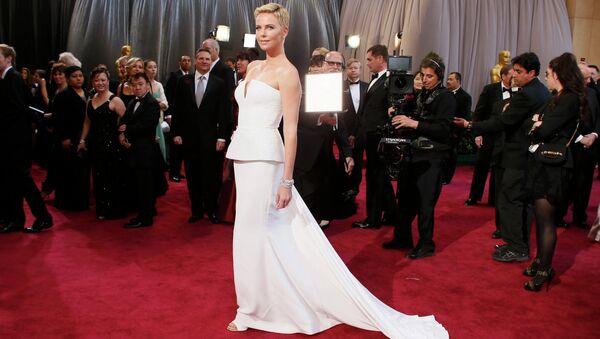 Шарлиз Терон в платье Christian Dior на 85-й церемонии вручения премии Оскар