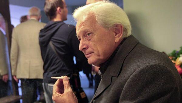 Актер Виктор Сергачев
