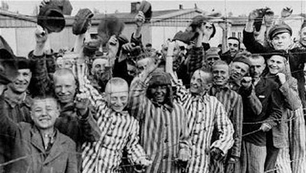 Узники Дахау, освобождённые войсками США
