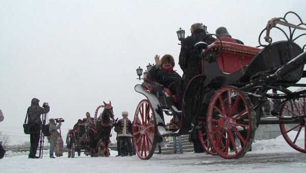 Ревизоров ЭКСПО-2020 покатали в каретах и угостили блинами в Екатеринбурге