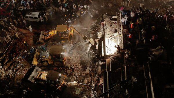 Обрушение многоэтажного здания в Индии