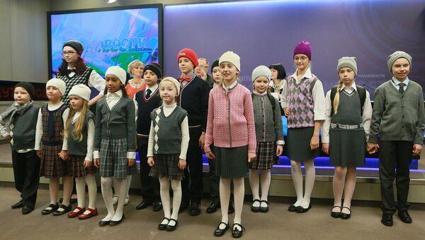 Демонстрация школьной формы от модельера Вячеслава Зайцева