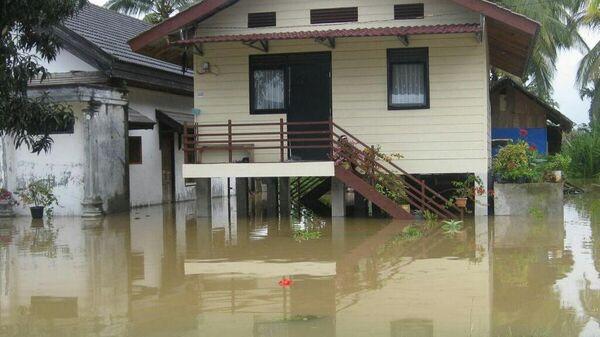 Последствия паводков в Индонезии