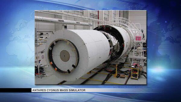 Масс-габаритный макет корабля Cygnus