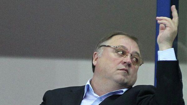 Главный тренер ВК Белогорье Геннадий Шипулин, архивное фото