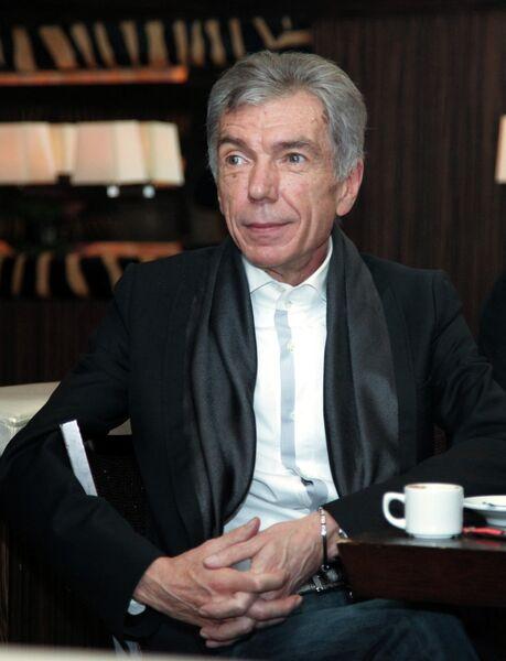 Телеведущий Юрий Николаев