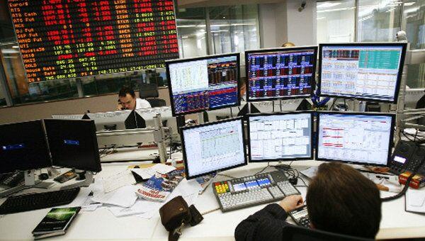 Индекс РТС закрылся ростом на 1,61%, ММВБ продолжает падать