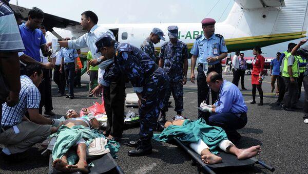 Более 20 человек пострадали при аварии легкого самолета в Непале