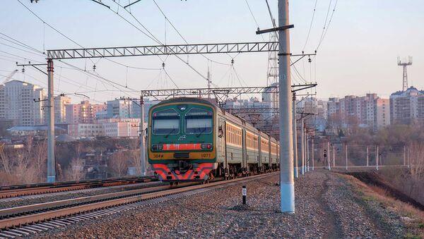 Электропоезд в Новосибирске, архивное фото
