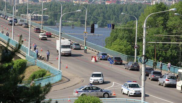 Первый день ремонта моста через Волгу в Костроме