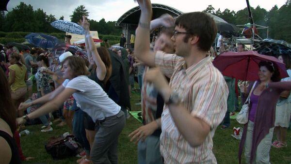 Танцы под дождем и свинговые мелодии на фестивале Усадьба Jazz
