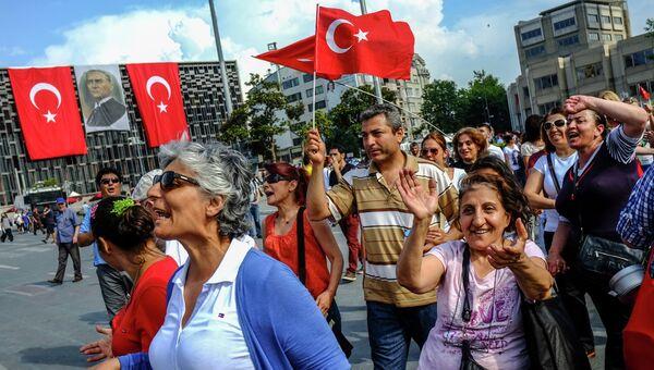 Массовые протесты в Стамбуле. Архивное фото