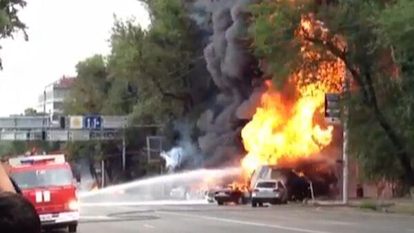 Взрыв бензовоза в центре Алма-Аты