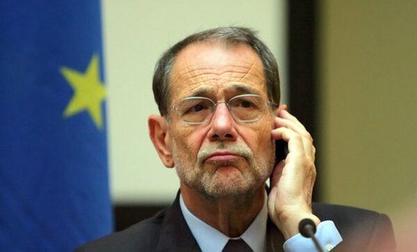 Солана ожидает плодотворной дискуссии на саммите РФ-ЕС в Стокгольме
