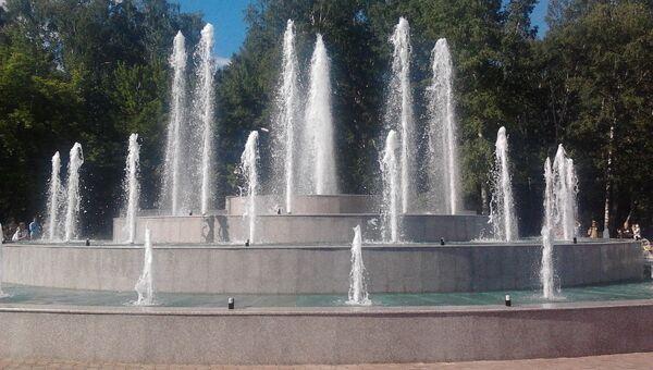 Четырехъярусный фонтан с подсветкой открылся в парке Новосибирска