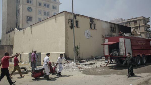 Разгромленное здание штаб-квартиры политического движения Братья-мусульмане в Каире