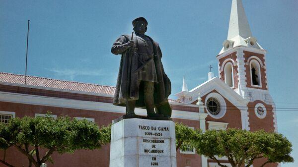 Памятник Васко де Гама - первооткрывателю восточной Африки