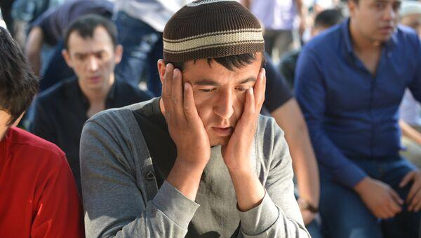 Мусульмане во время празднования Ураза-байрама в Москве
