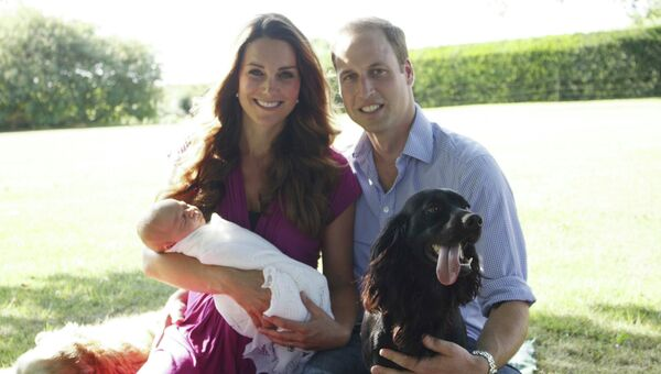 Первое официальное фото британского принца Джорджа