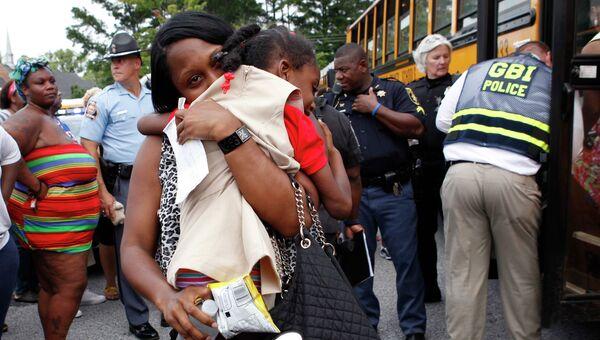 На месте стрельбы в школе в штате Джорджия, США