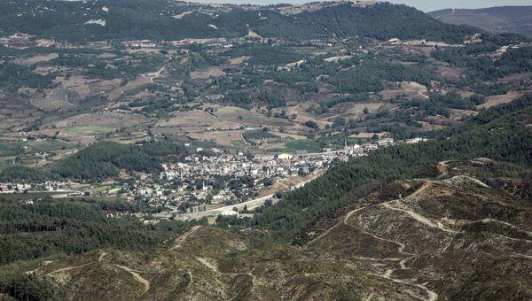 Вид на турецкий городок со стороны Сирии. Архивное фото