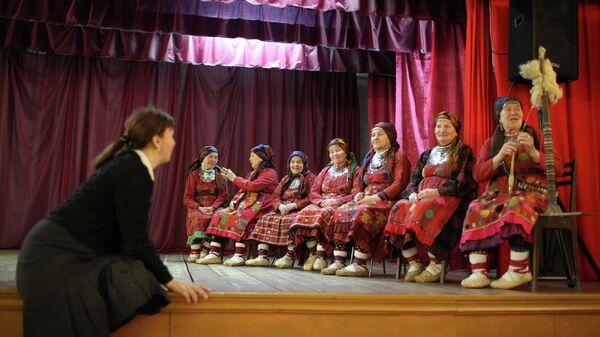 Фольклорный музыкальный коллектив Бабушки из Бураново. Архивное фото