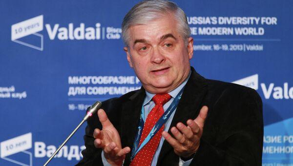 Глава комиссии по международным делам сената Польши Влодзимеж Чимошевич, архивное фото